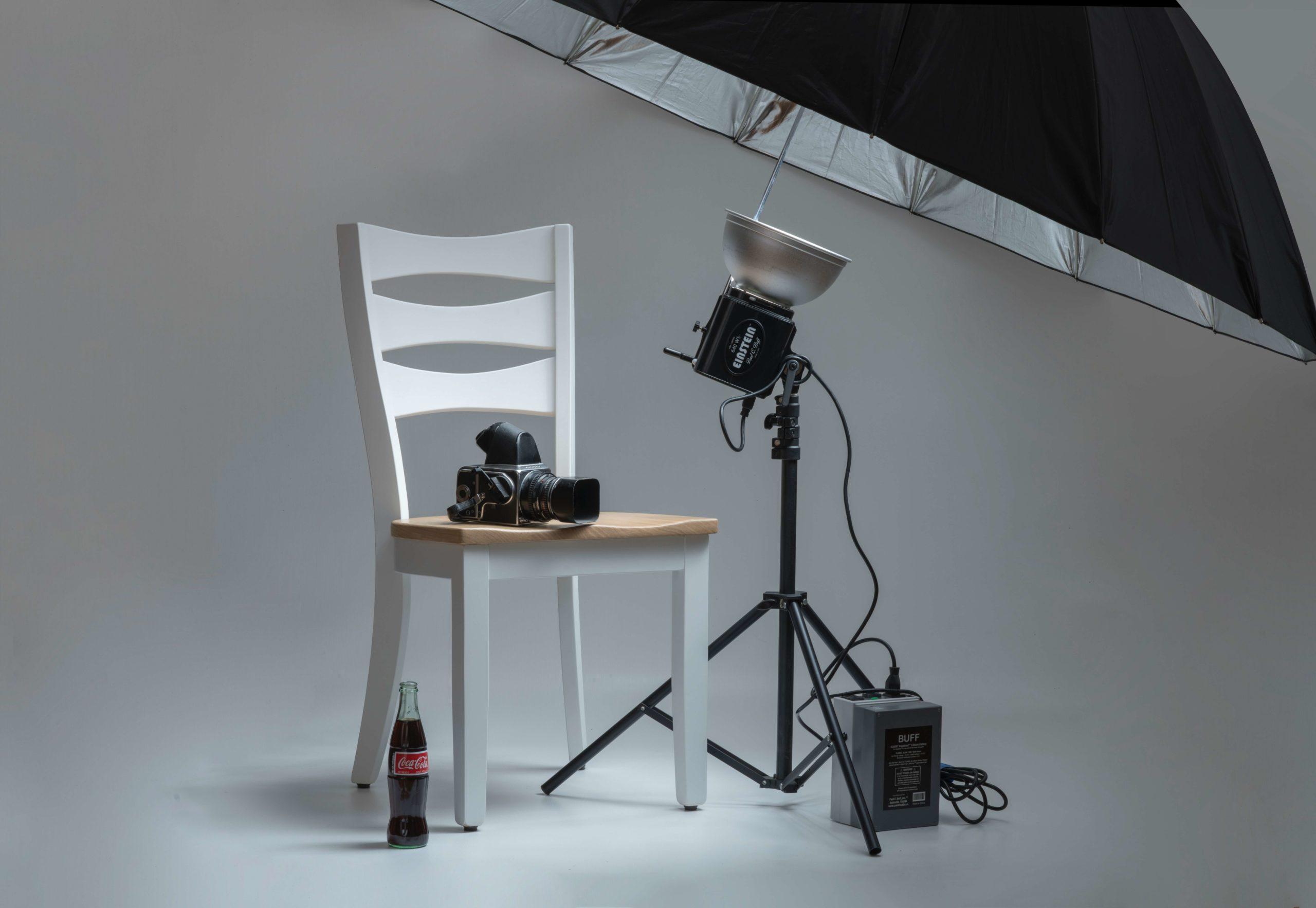 照明機材とカメラの画像