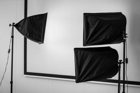 スタジオの照明のイメージ画像